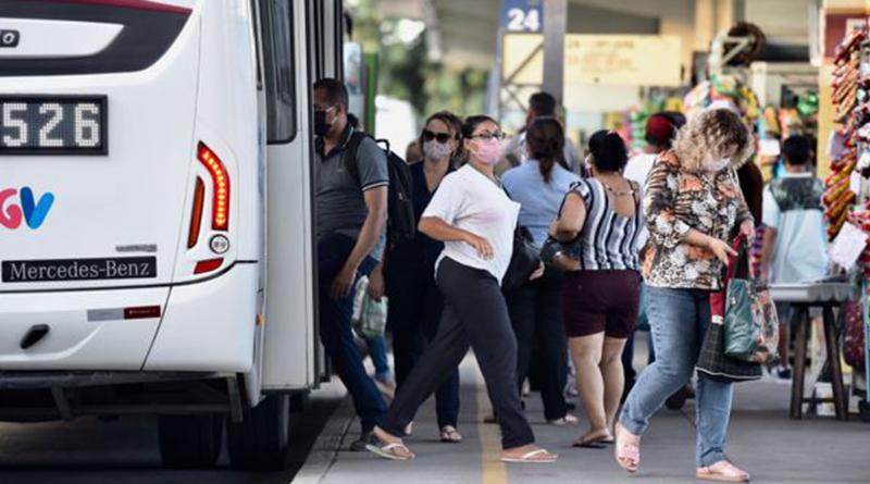 Lotação é impedimento para retomada do uso do ônibus em SP, aponta pesquisa